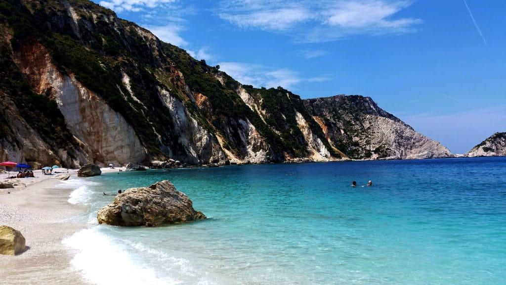 La plage de Petani dans la péninsule du Paliki, Céphalonie, Kefalonia, Grèce