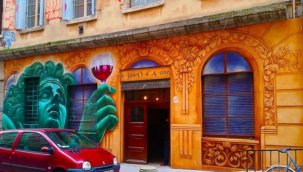 street art verre de vin, rue des tables Claudiennes à la Croix Rousse, Lyon