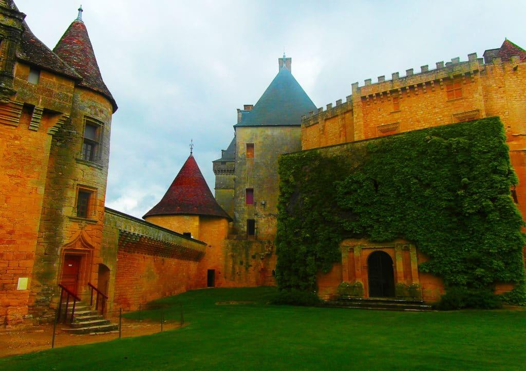 Le château de Biron près de Monpazier dans le Périgord pourpre, Dordogne