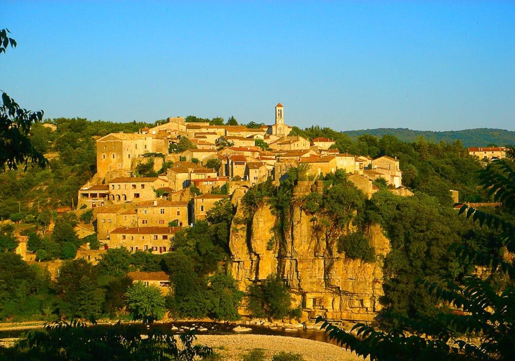 le village de caractère de Balazuc en Ardèche