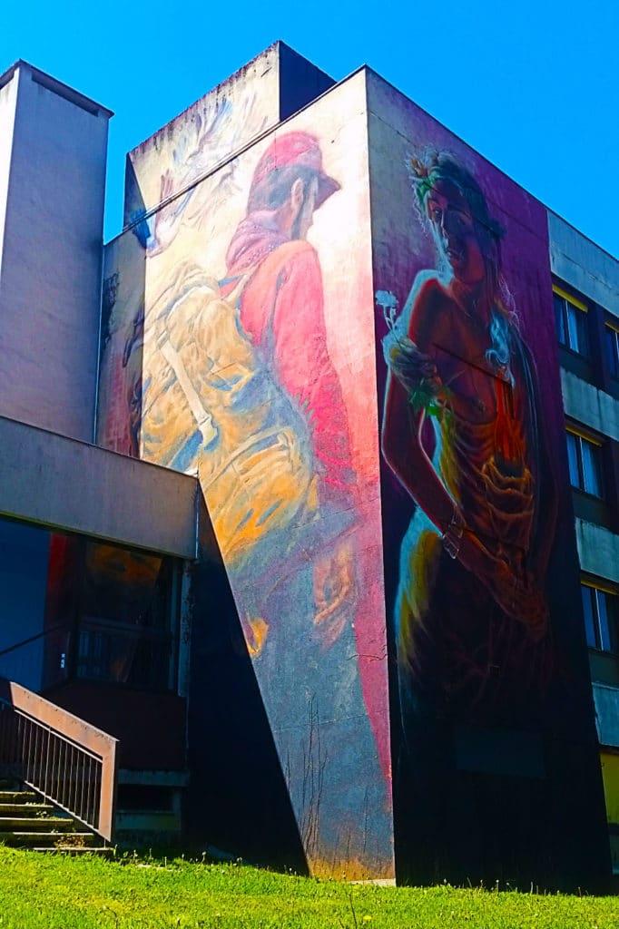 Alaniz et son regard sur les migrants, Street Art City de Lurcy-Lévis dans l'Allier