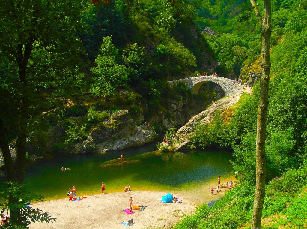Le pont du diable à Thueyts en Ardèche