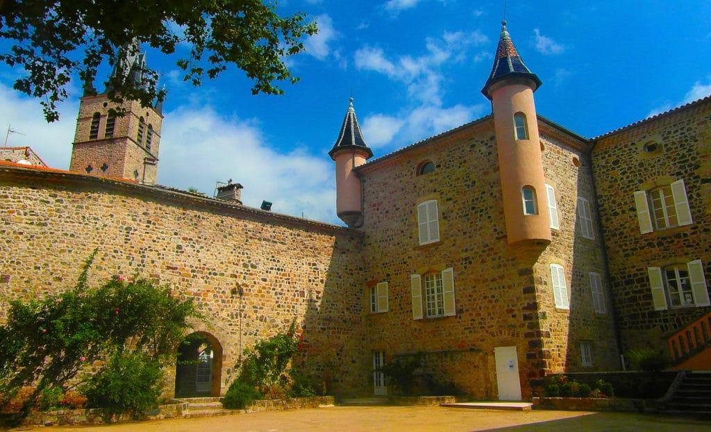 Centre-ville de Thueyts en Ardèche