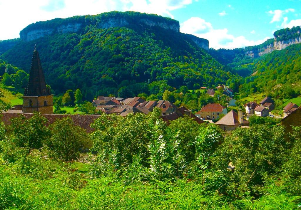 Baume les Messieurs classé plus beaux villages de France dans le Jura