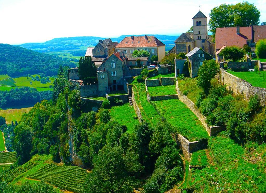 Château-Chalon classé parmi les plus beaux beaux villages de France