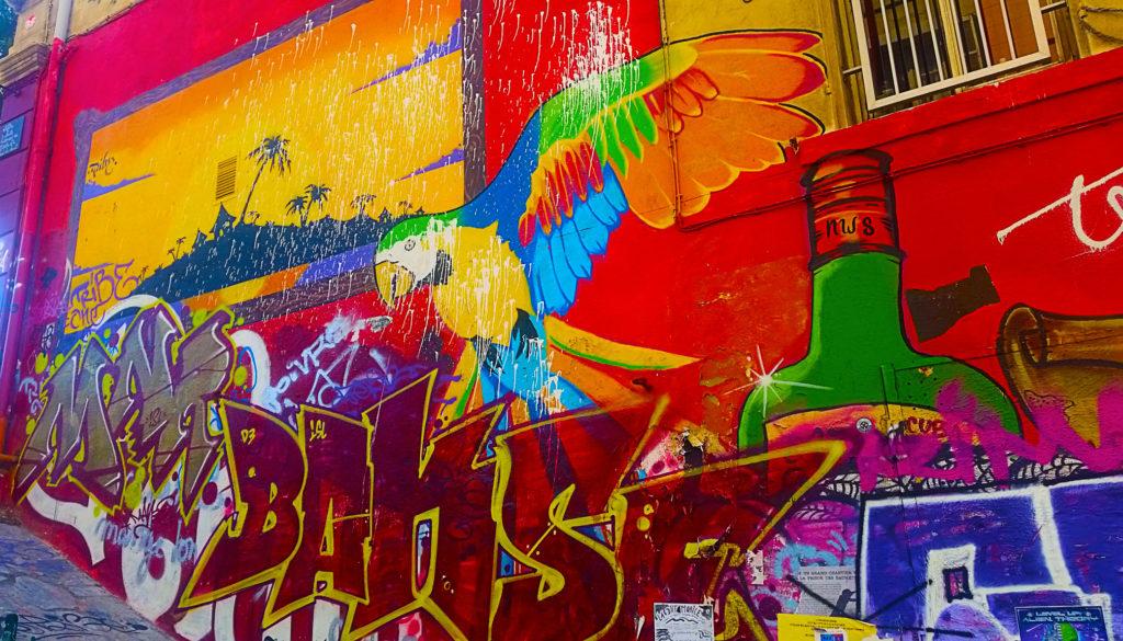 Perroquet en street art Cours Julien, Marseille