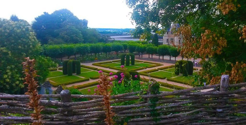 Jardin suspendu sur les remparts des forteresses, découvrir Angers