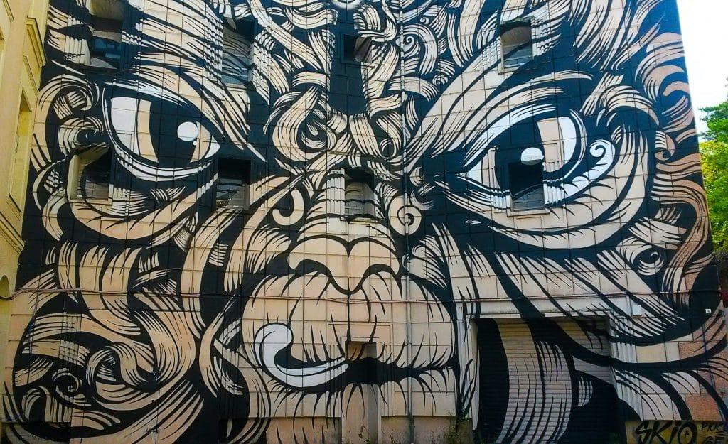 Entrez Libre, street art et graffiti à Nantes, rue Descartes.