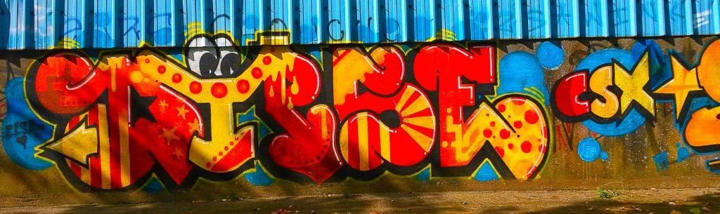 graffiti et street art rue saint-Domingue sur l'île de Nantes