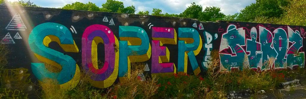 graffiti et street art rue Saint-Domingue, île de Nantes.