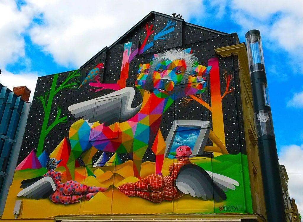 """""""Apocalypsis"""" street art d'Okuda, découvrir Angers"""