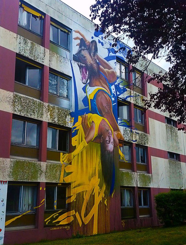 """""""La Belle et la Bête"""" selon le street artiste allemande CosTwo"""