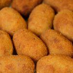Découvrez l'authentique recette des croquetas au jambon Serrano de Barcelone.