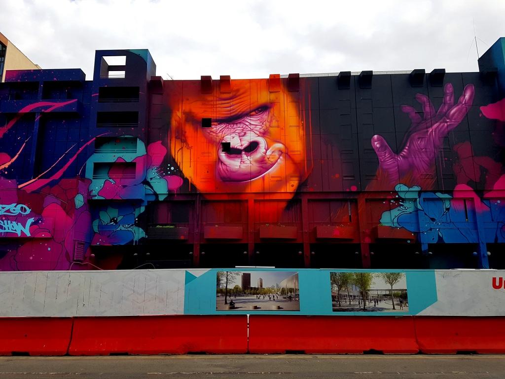 La fresque de Kalouf près de la gare de la Part Dieu pendant la rénovation du Novotel (détruite depuis)