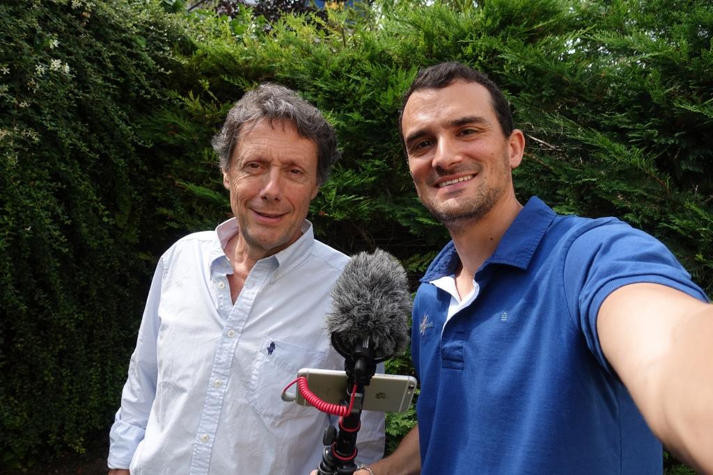 Romain pour l'émission J'irai interviewer Antoine de Maximy chez lui, podcast sur les routes de l'asie