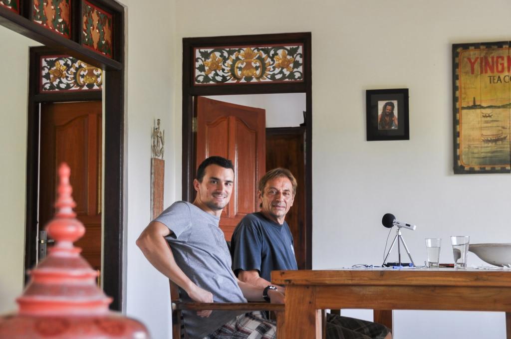Romain du podcast sur les routes de l'asie en enregistrement avec Thierry Robinet