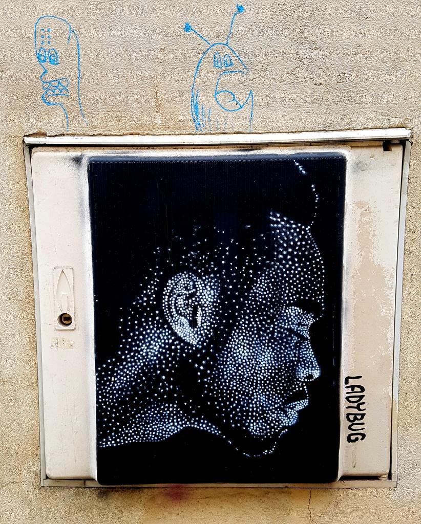 Le pointillisme de LadyBug à la Butte-aux-Cailles, Street art Paris