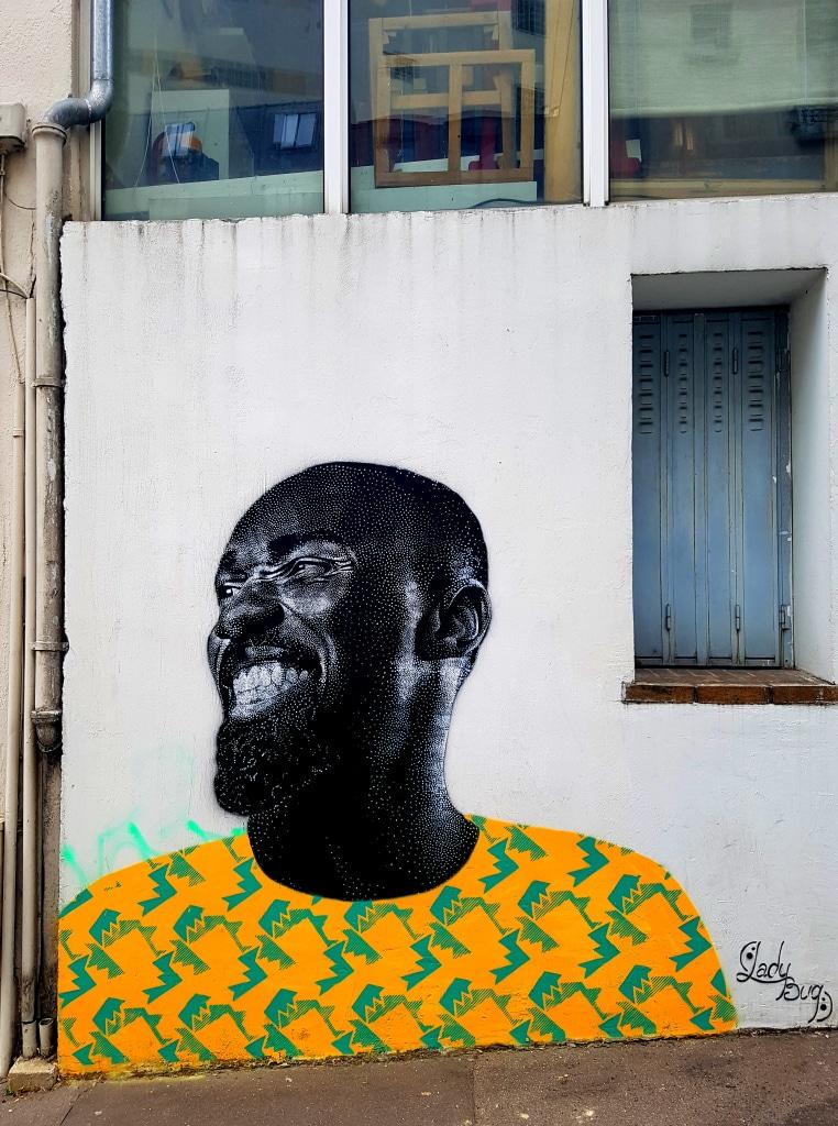 Le pointillisme de LadyBug à la Butte-aux-Cailles, street art Paris.