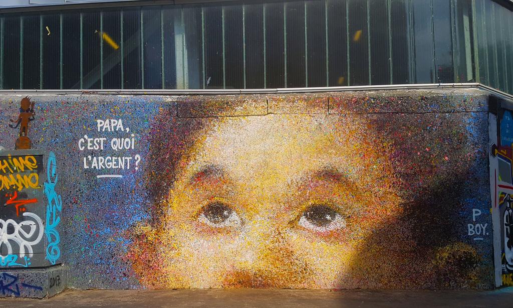 """Le street art de PBoy """"Papa, c'est quoi l'argent ?"""", rue d'Aubervilliers, street art Paris"""