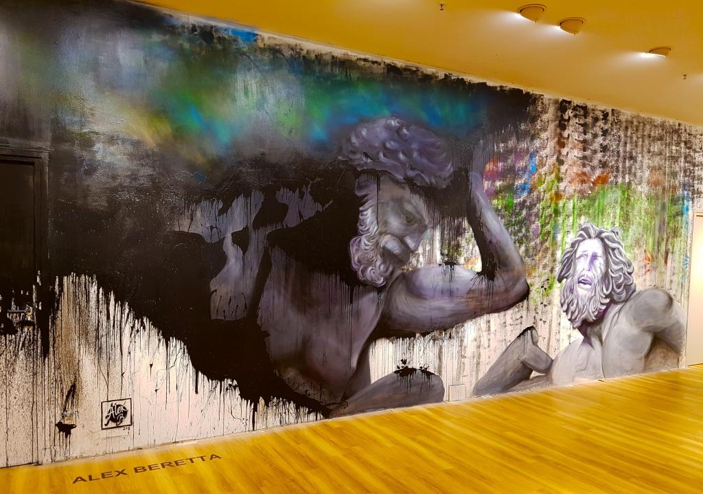 Le street artiste Alexandre Beretta pour l'exposition street art One Shot au Centre Commercial Confluence à Lyon