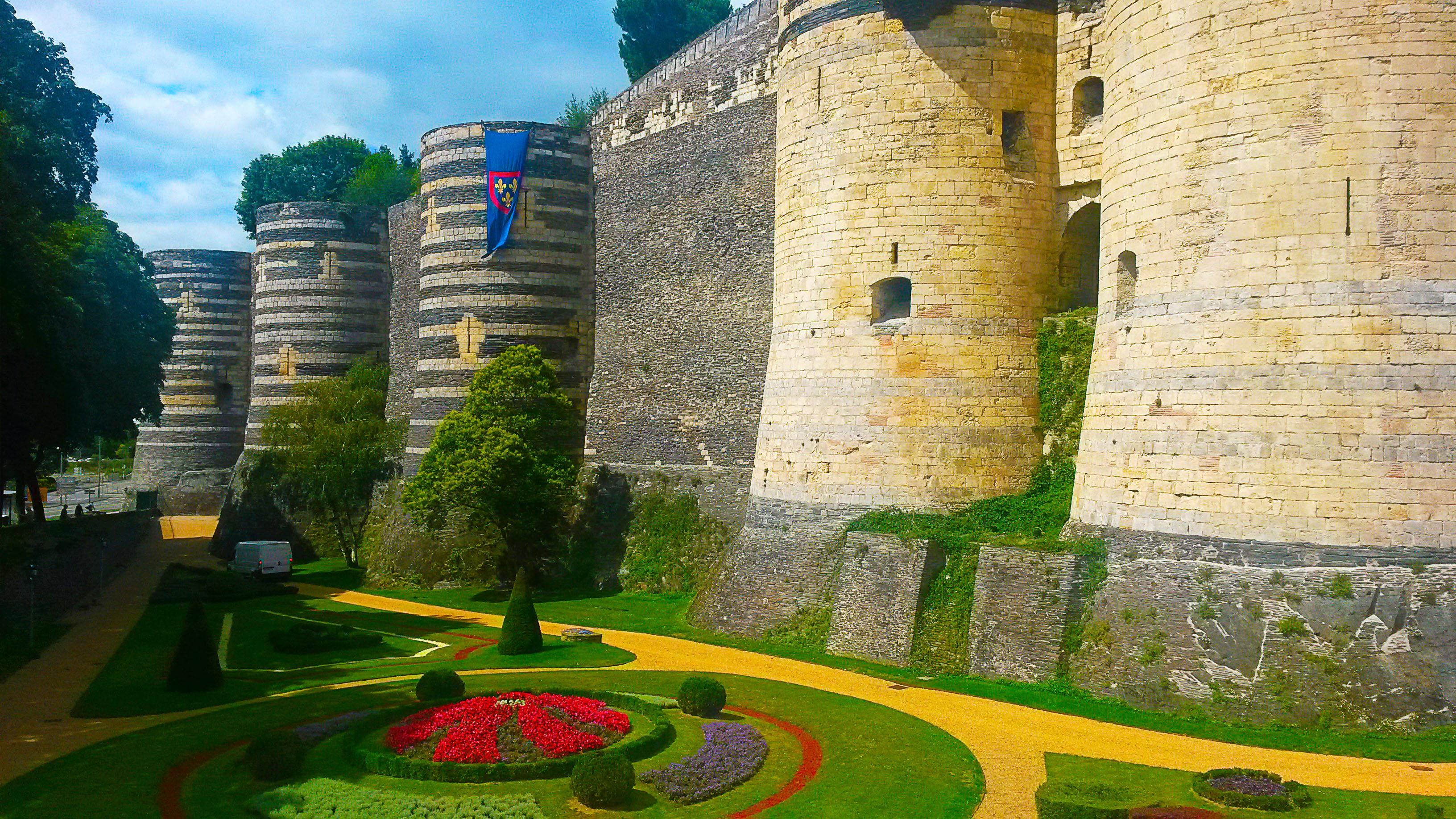 Angers et son château parmi les 25 lieux incroyables à voir en Europe