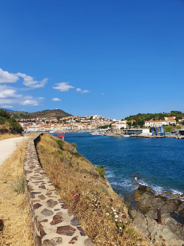 Sentier du littoral et vue sur Port-Vendres