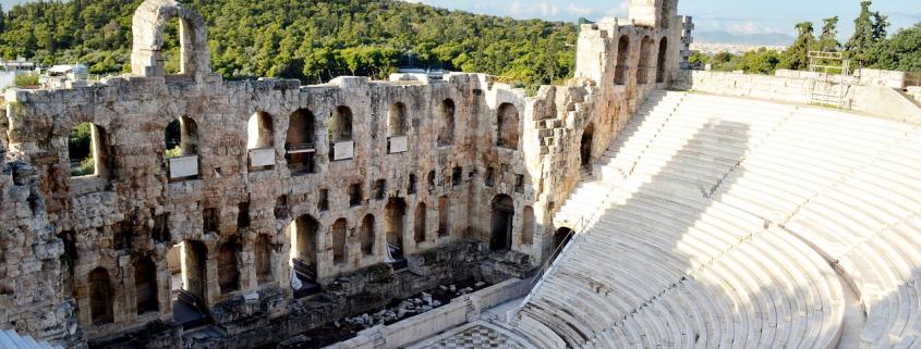 Connais-tu vraiment Athènes ? Découvre des anecdotes insolites que tu ignores certainement sur l'Acropole, Poséidon, les jeux olympiques, le théâtre.