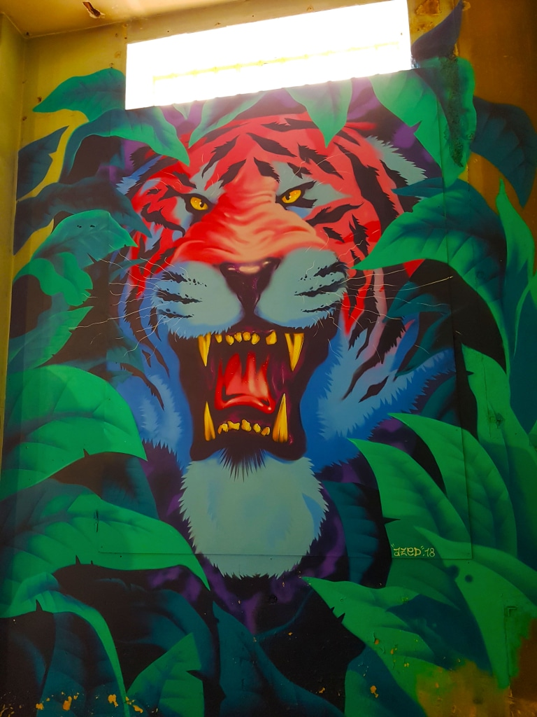 le tigre en street art d'Azed pour l'exposition ZOO Art Show à Lyon