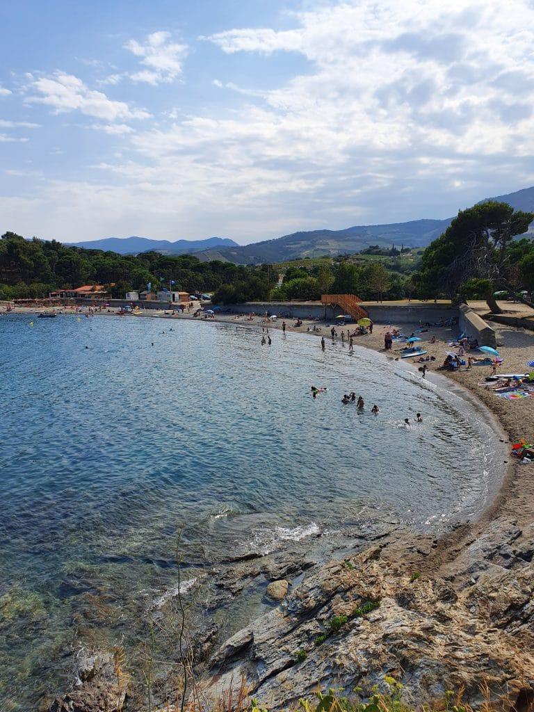 Panorama sur la plage de Bernardi à Port-Vendres, près de Collioure