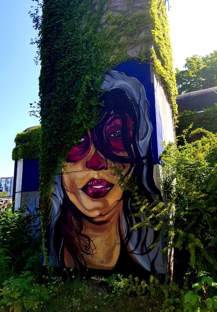 BESSS, 20 rue Maurice Dodero (Grand Place)