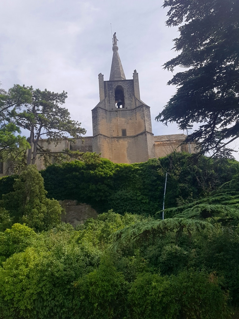 Bonnieux et sa vue à 360 ° sur le Luberon