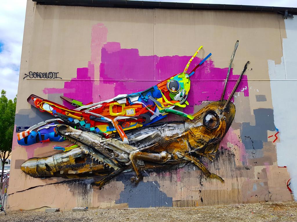 Bordalo II se revendique comme un artiste écologiste qui exprime son art à travers une sorte de 3D recyclée.