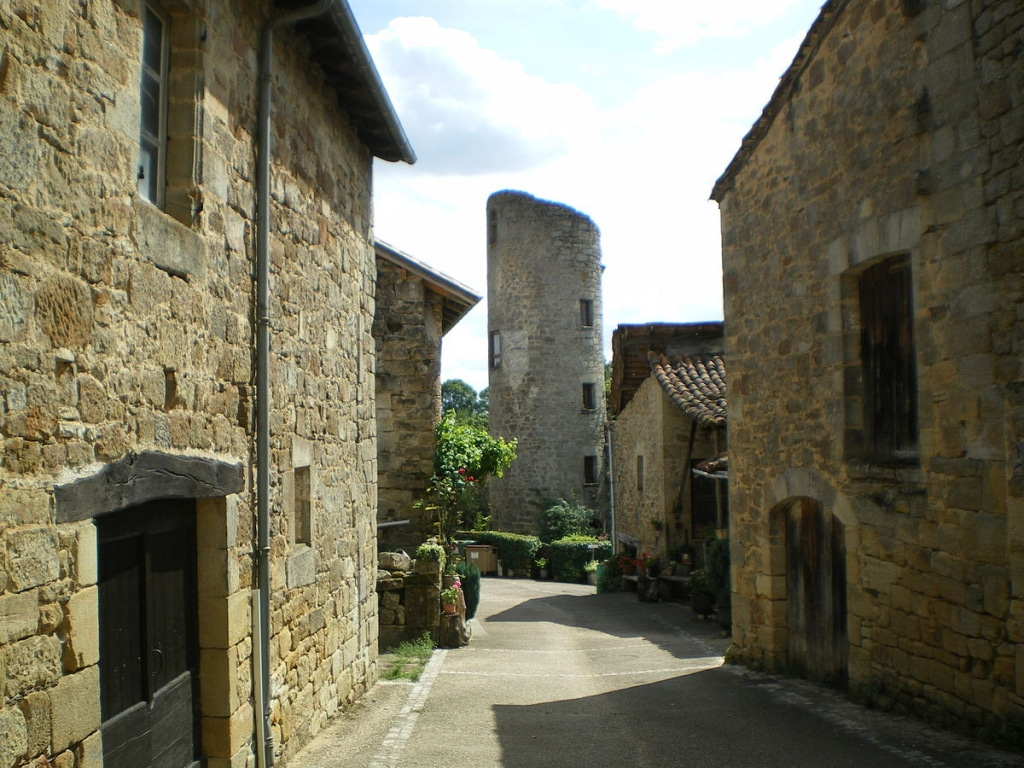 Les ruelles du village de Cardaillac dans le Quercy