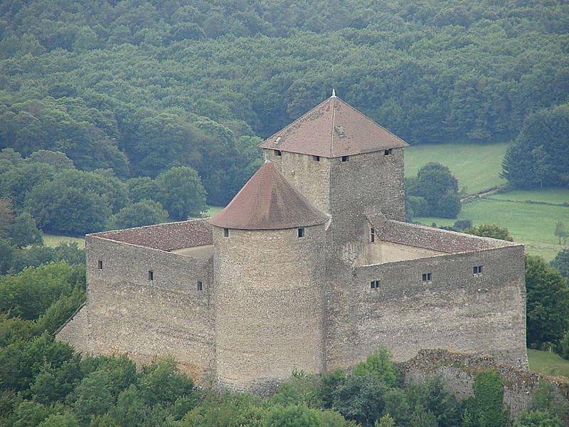 Ain hors des sentiers battus : le château des Allymes
