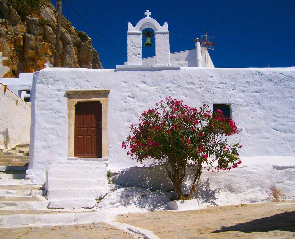belle exemple de chapelle bizantine à Chora, Amorgos, Grèce