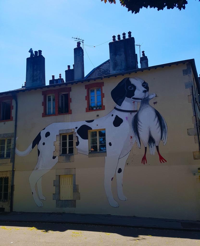 Le chien d'Escif, 112 rue Battant Besançon pour l'édition 2011 de Bien Urbain