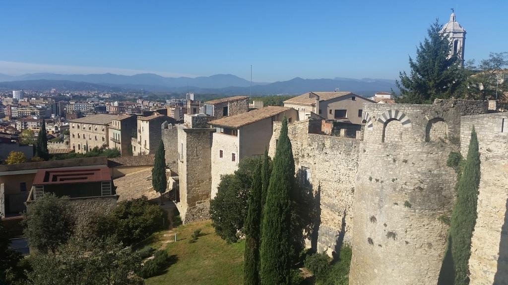 Gérone en Catalogne parmi les 25 lieux incroyables à voir en Europe