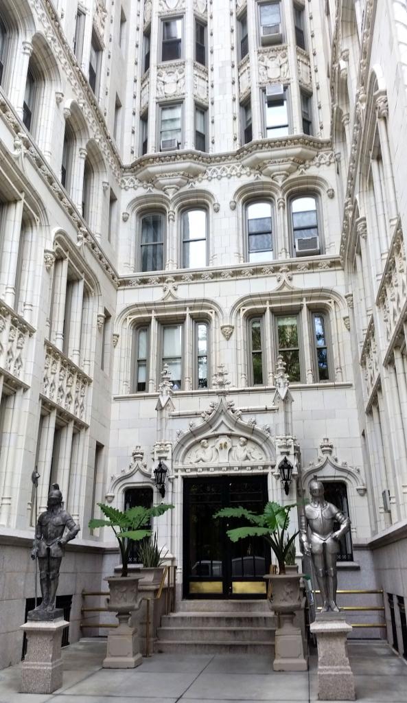 Belle entrée donnant sur Gramercy Park, New York à pied