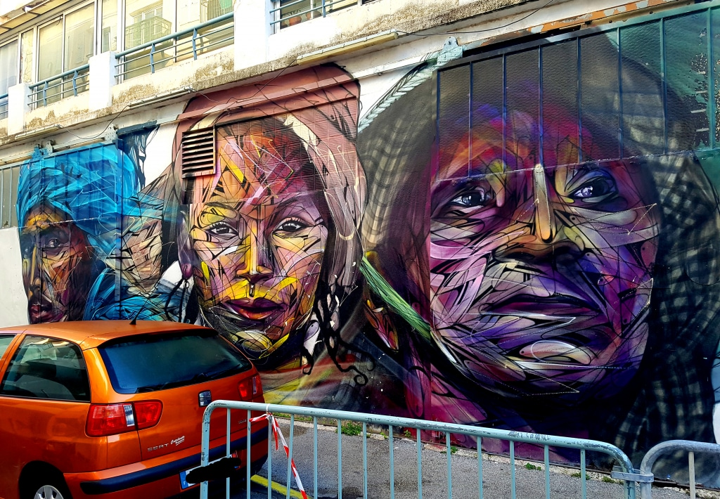 Le street artiste français Hopare, impasse Noël Verlaque, La Seyne-sur-Mer près de Toulon.