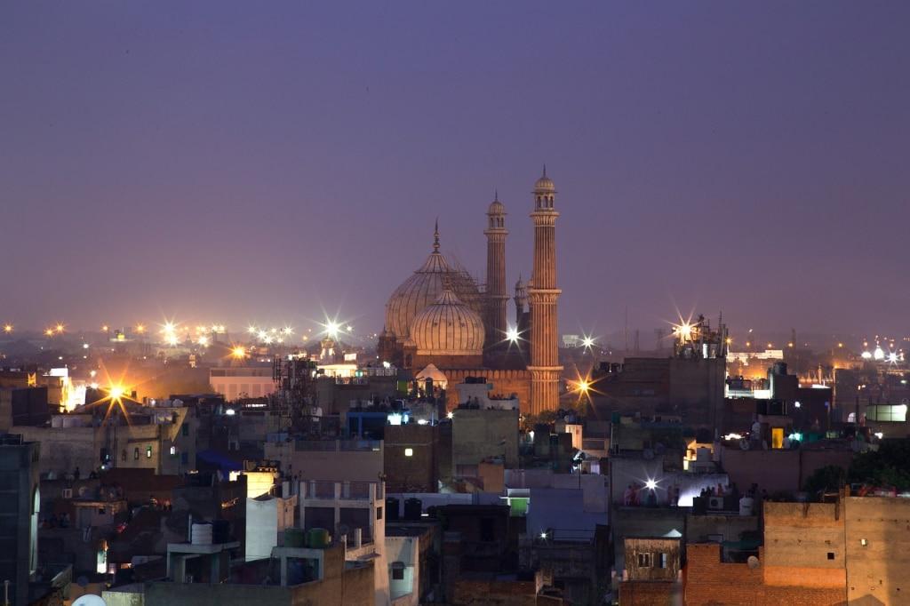 Le Old Delhi de nuit avec la mosquée Jama Masjid, Inde