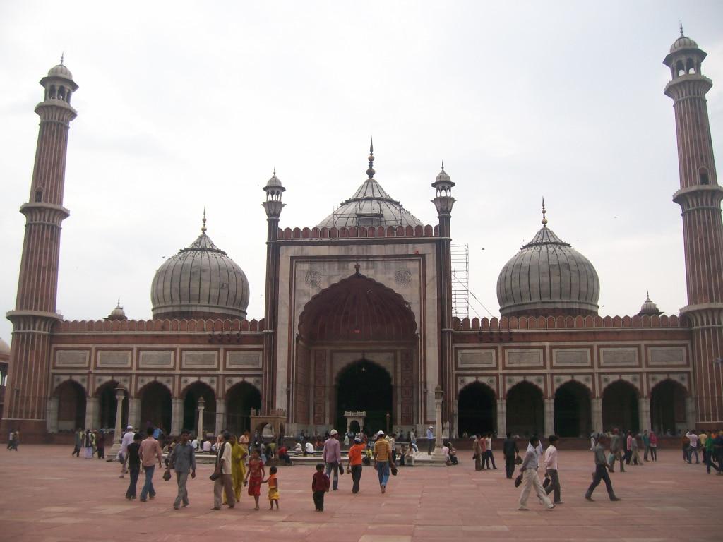 la façade de la mosquée Jama Masjid de New Delhi