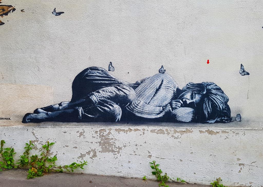 La femme endormie de Jef Aérosol, street art Paris.