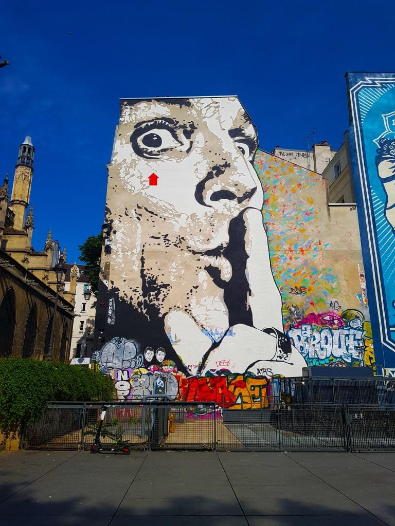 Chuuuttt !!! de Jef Aérosol, Beaubourg. Street art Paris.