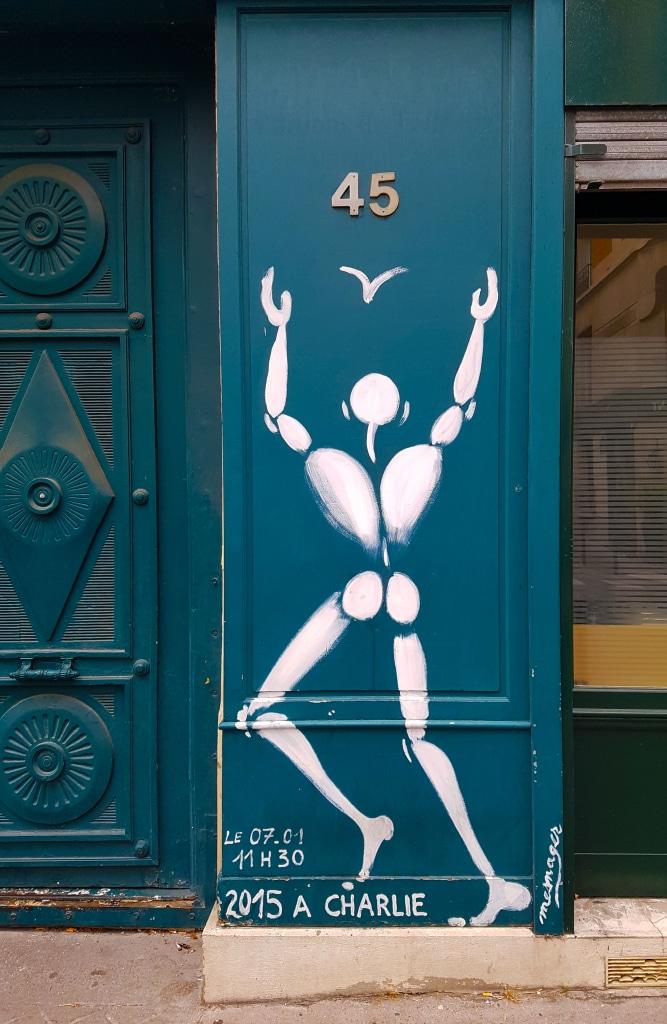 L'homme en blanc de Jérôme Mesnager, Rue Brocca, Paris
