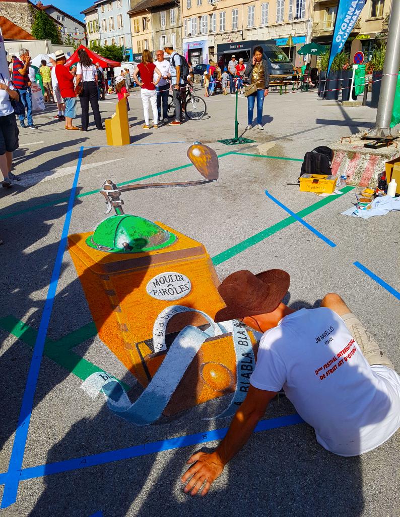 l'artiste Jean-Marc Navello pour l'édition 2018 du festival street art d'Oyonnax dans l'Ain