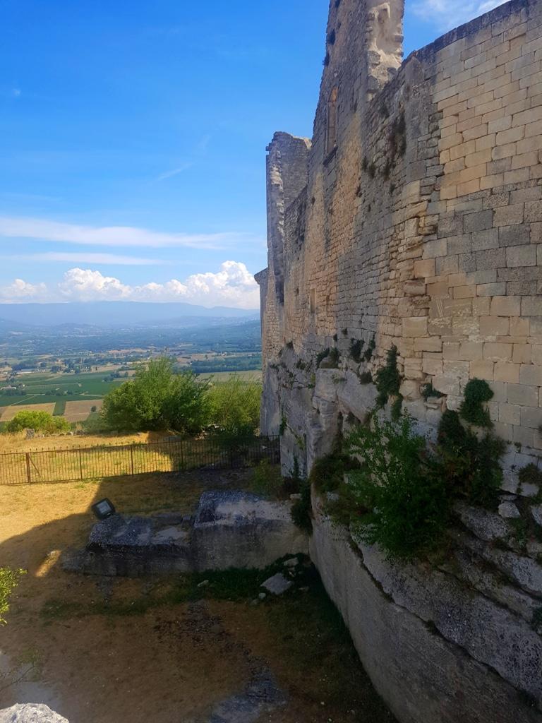 Le château du Marquis de Sade à Lacoste dans le Luberon (France)
