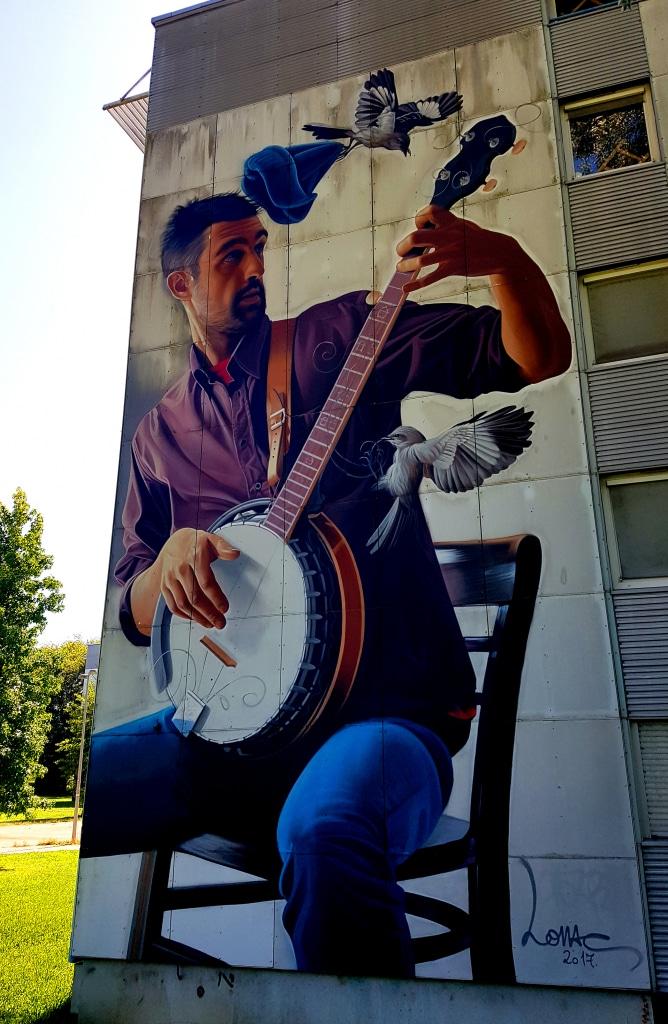 Le street artiste croate Lonac, résidence Ouest, 107 rue des Taillées, bâtiment F, domaine universitaire, Saint-Martin-D'Hères (Grenoble)
