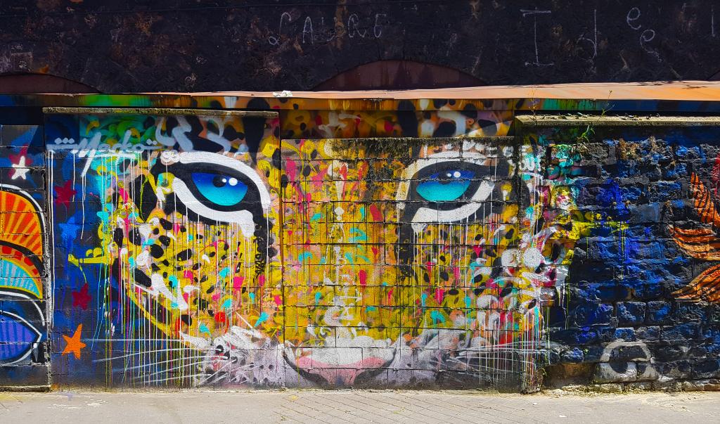 Marko 93 fût l'un des premiers graffeurs à intégrer de la calligraphie dans le graffiti, street art Paris.