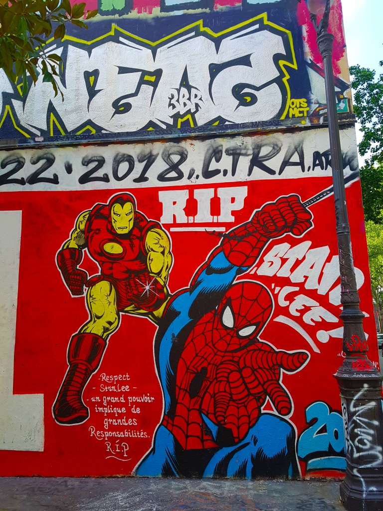 Marvel en street art à Paris.