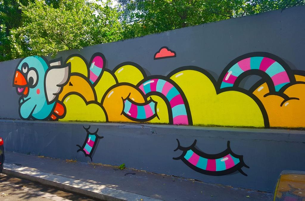 le graffeur lyonnais PEC, rue Germaine Taillefere, street art Paris